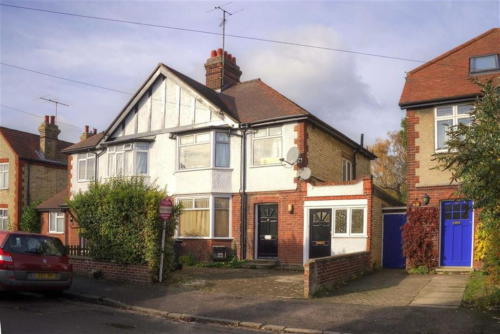 3 Bedrooms Semi Detached House for sale in Leys Road, Cambridge