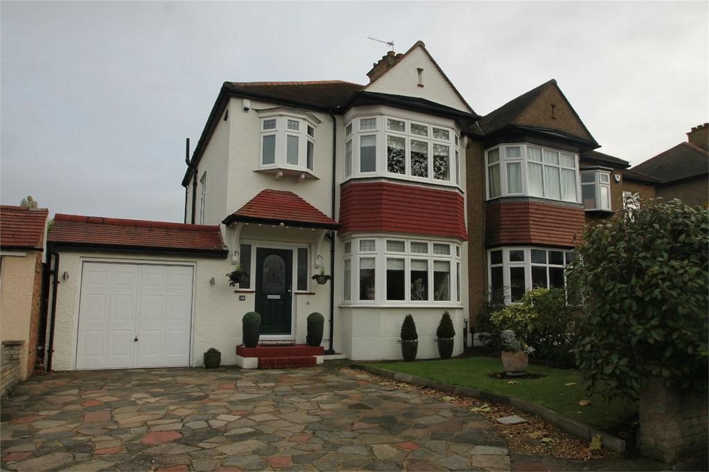 3 Bedrooms Semi Detached House for sale in Barnfield Avenue, Shirley, Croydon, Surrey