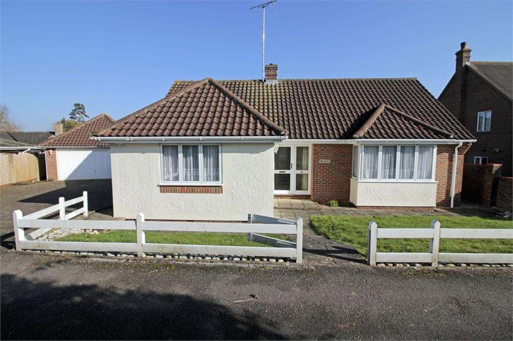 3 Bedrooms Detached Bungalow for sale in Stores Lane, Tiptree, Essex