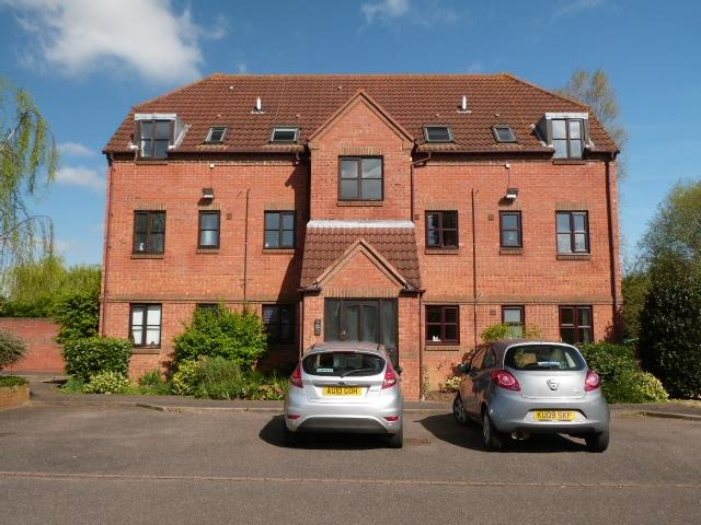 2 Bedrooms Flat for rent in The Wharf, SHEFFORD, Bedfordshire