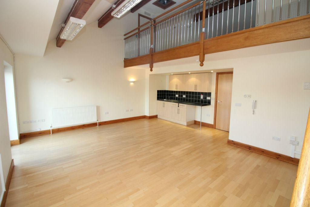 3 Bedrooms Maisonette Flat for sale in Neptune House, Nelson Quay, Milford Haven. SA73 3BH