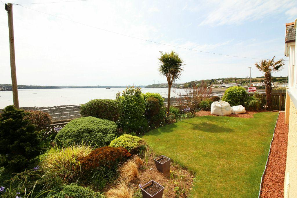 3 Bedrooms Detached Bungalow for sale in Stoney Waters, The Promenade, Neyland, SA73 1QE