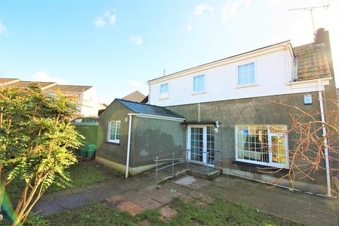 3 bedroom detached house for sale - Priory Hill, Milford Haven. SA73 2ER