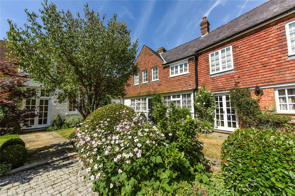 2 Bedrooms Unique Property for sale in Biddulph Mews, Burton Park, Duncton, Petworth, West Sussex, GU28