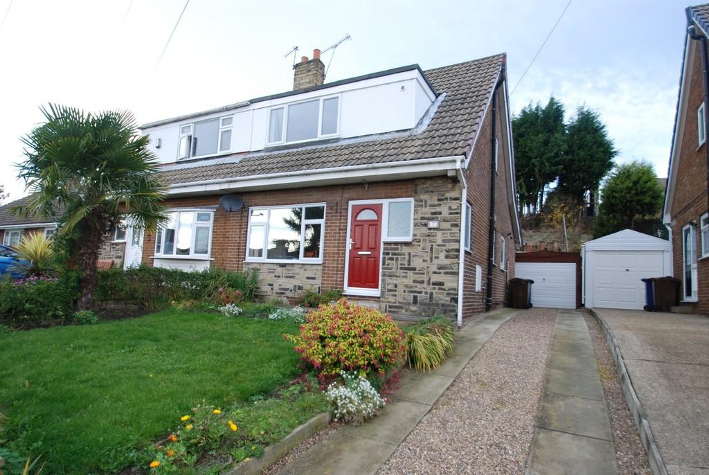 3 Bedrooms Semi Detached Bungalow for sale in Springfield Close, Darfield, Barnsley S73