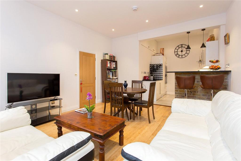 2 Bedrooms Flat for sale in Whitechapel Road, London, E1