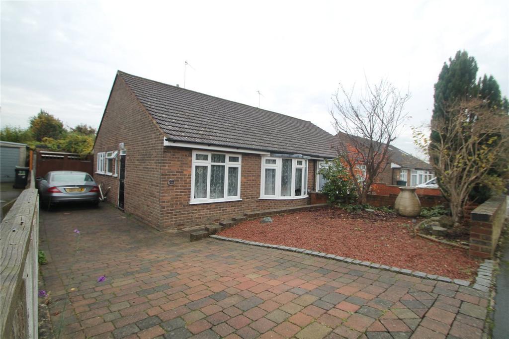 2 Bedrooms Semi Detached Bungalow for sale in Pen Way, Tonbridge, Kent, TN10