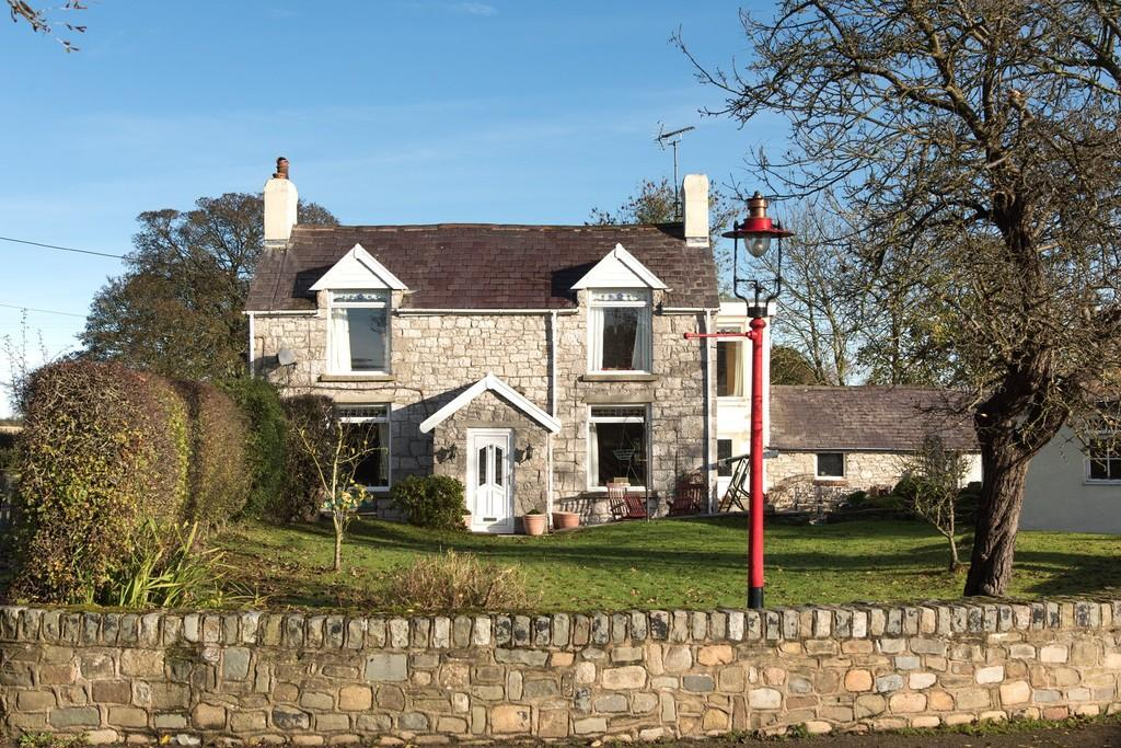 4 Bedrooms Detached House for sale in Pen Y Cefn, Caerwys