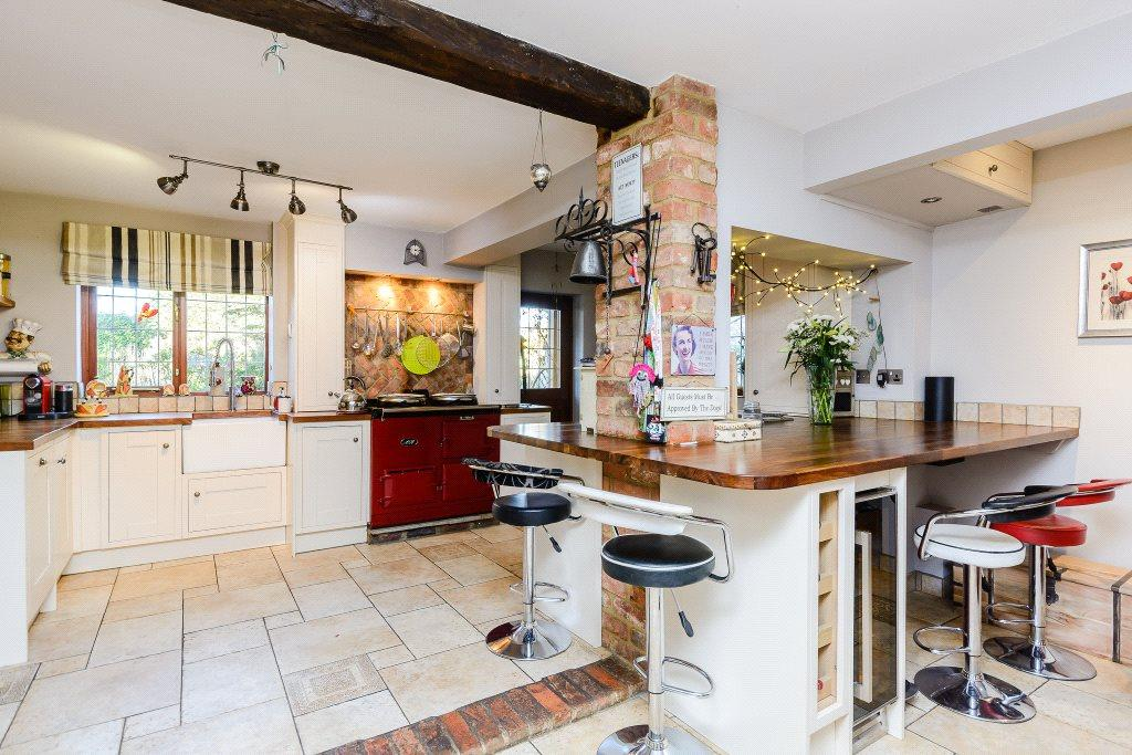 4 Bedrooms Detached House for sale in Sywell Road, Overstone, Northampton, Northamptonshire, NN6