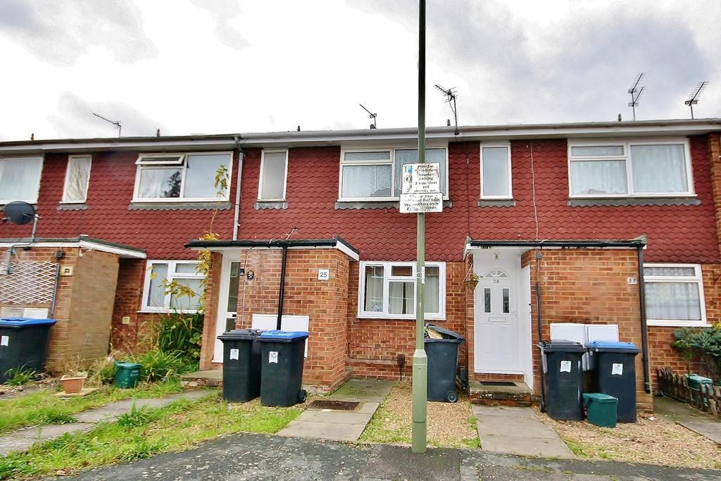 1 Bedroom Maisonette Flat for sale in Woking, Surrey