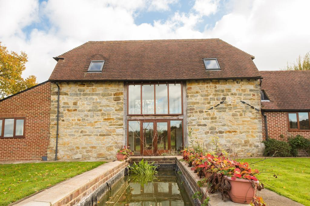 4 Bedrooms Detached House for sale in Magreed Lane, Broad Oak, East Sussex, TN21 8TR