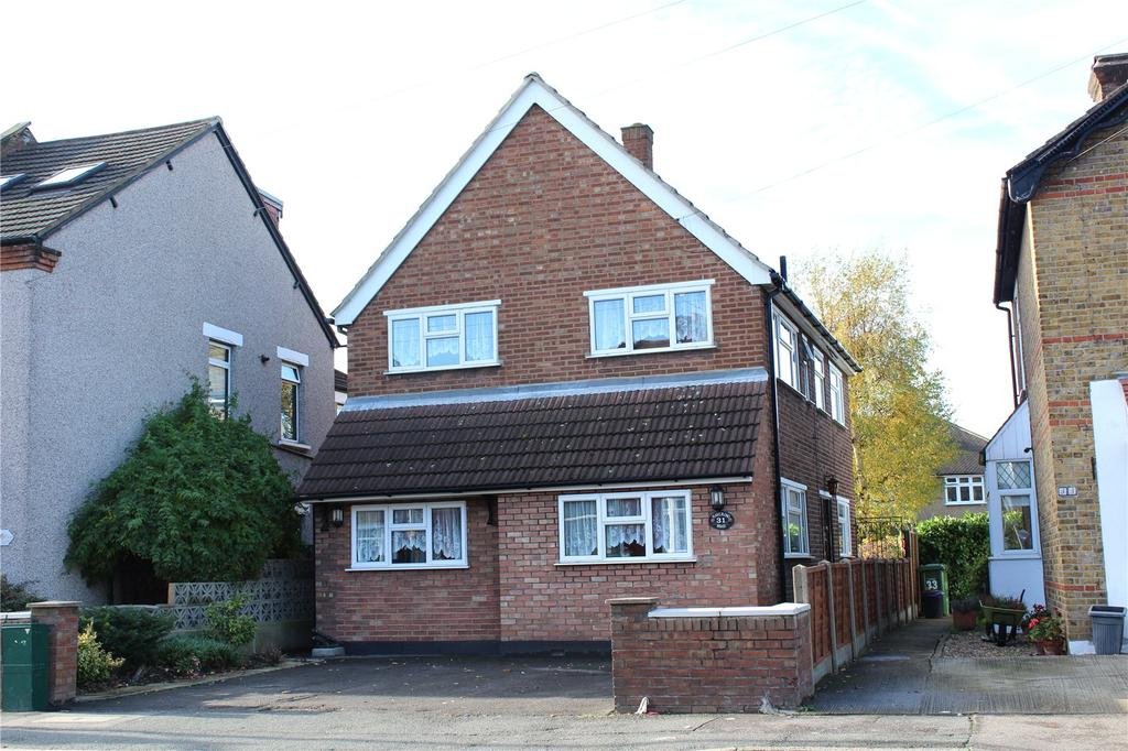 3 Bedrooms Detached House for sale in Havering Road, Romford, RM1