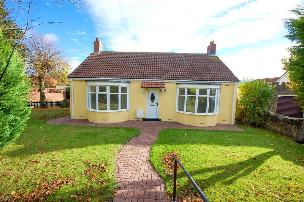 3 Bedrooms Bungalow for sale in Durham Road, East Herrington, Sunderland