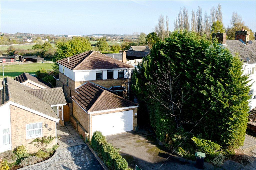 4 Bedrooms Detached House for sale in Salford Road, Aspley Guise, Milton Keynes, Bedfordshire