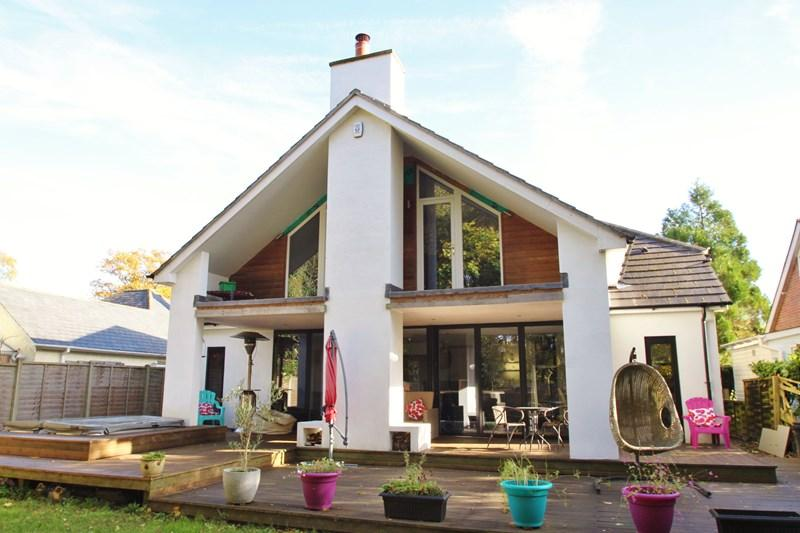 4 Bedrooms Detached House for sale in Hillside Road, Verwood