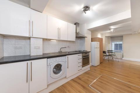 Studio to rent - Maple Street, Fitzrovia, London, W1T