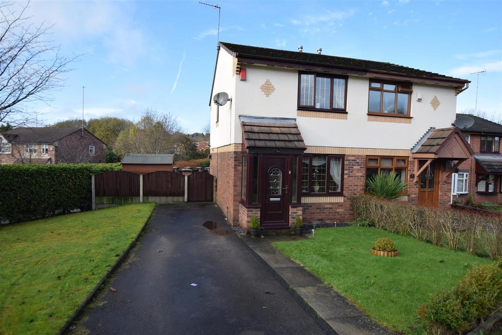 2 Bedrooms Semi Detached House for sale in Hembury Close, Middleton