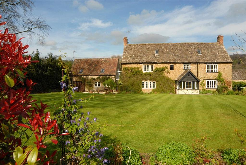 5 Bedrooms Detached House for sale in Forthay, North Nibley, Dursley, Gloucestershire, GL11
