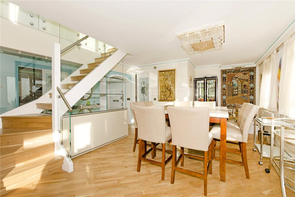 3 Bedrooms Flat for sale in Sussex Square, The Hyde Park Estate, London