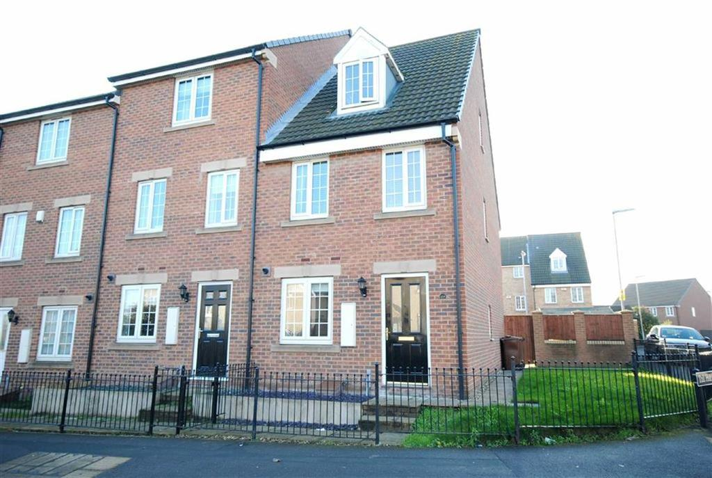 3 Bedrooms Town House for sale in Holywell Lane, Castleford, Castleford, WF10
