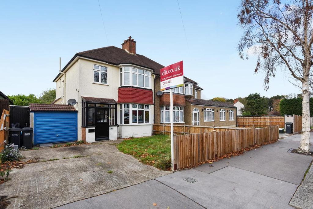 3 Bedrooms Semi Detached House for sale in Ridgemount Avenue, Croydon, CR0