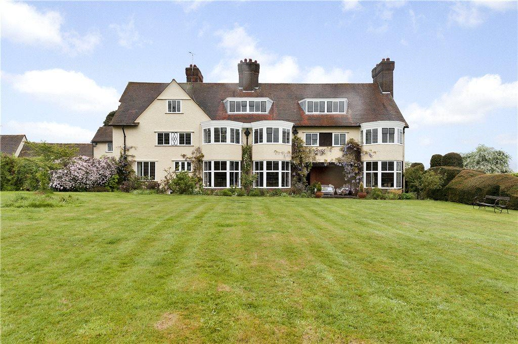 9 Bedrooms Unique Property