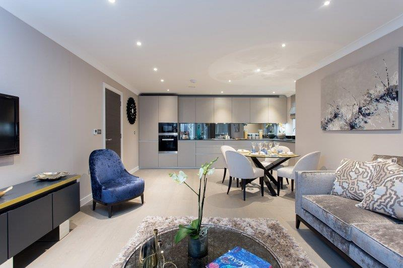 3 Bedrooms Apartment Flat for sale in Asprey Park, NW4