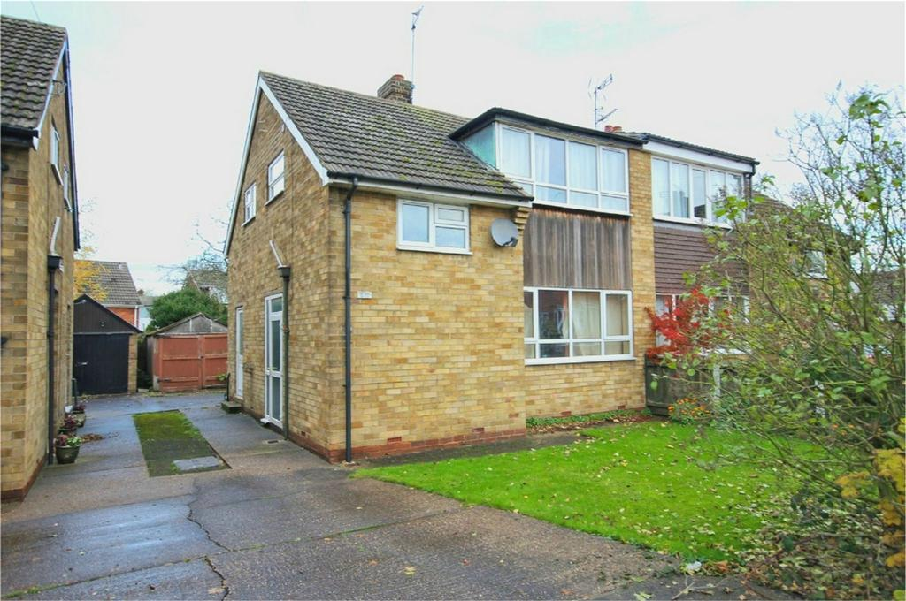 3 Bedrooms Semi Detached House for sale in Sigston Road, Beverley, East Riding of Yorkshire