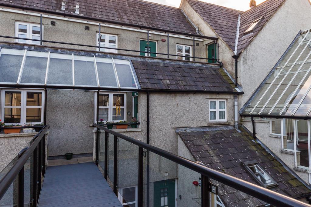2 Bedrooms Flat for sale in 31 Websters Yard, Highgate, Kendal, Cumbria LA9 4HA