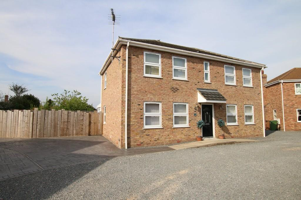4 Bedrooms Detached House for sale in Wisbech Road, March