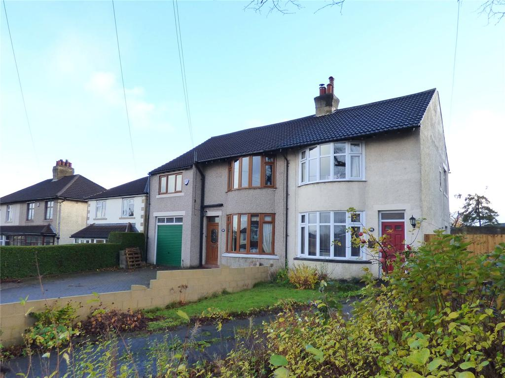 2 Bedrooms Semi Detached House for sale in Whitehall Road, Wyke, BD12