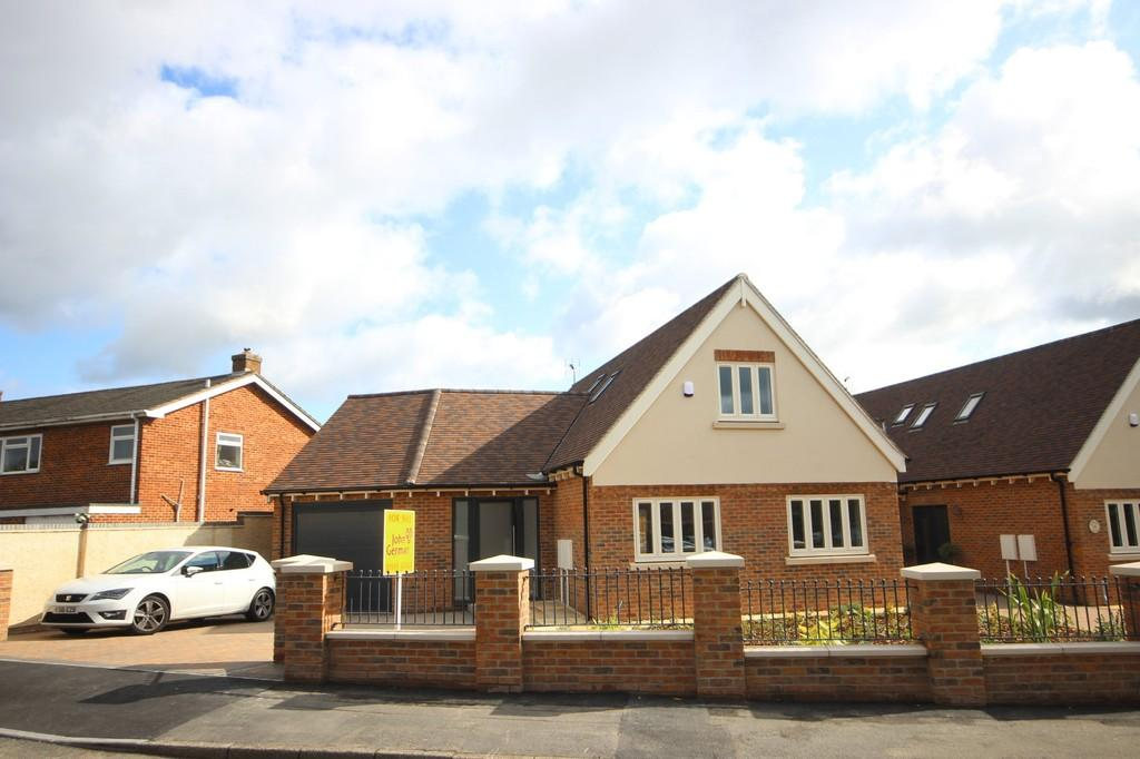 3 Bedrooms Bungalow for sale in Grange Close, Ashby-de-la-Zouch