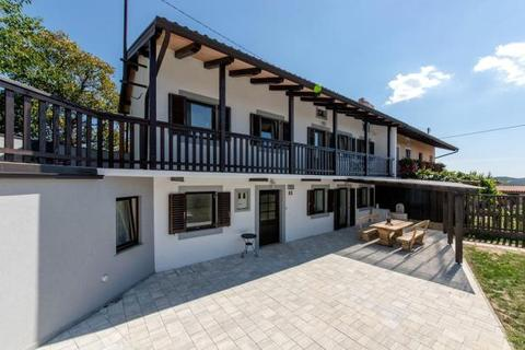 4 bedroom house  - Cottage In Karst, Kostanjevica Na Krasu, Slovenia