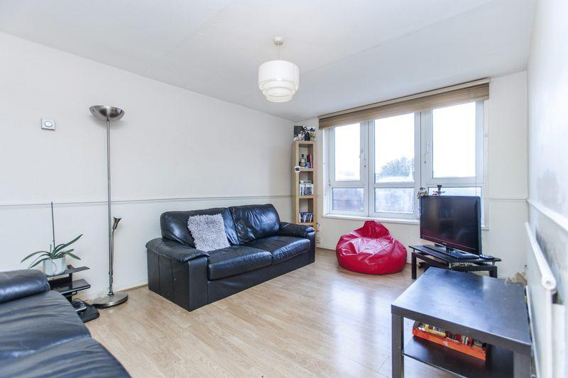 3 Bedrooms Flat for sale in Manor Road, Stratford E15