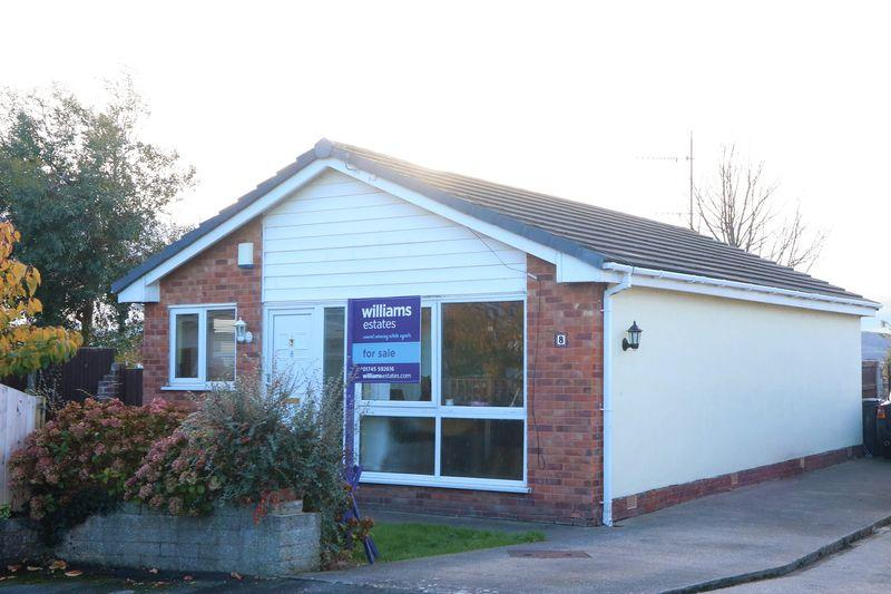 2 Bedrooms Bungalow for sale in Maes Ffyddion, Rhuddlan
