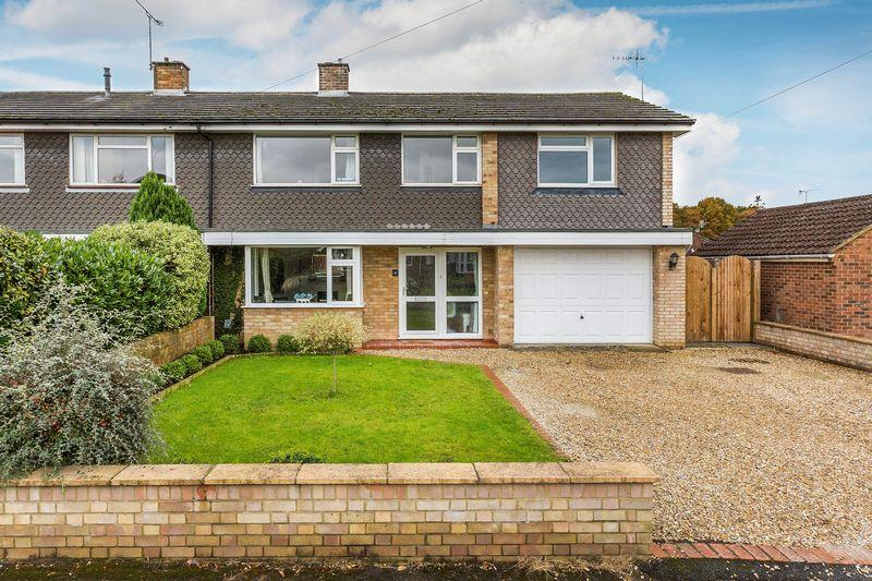 4 Bedrooms House for sale in Guildford, Surrey, GU3
