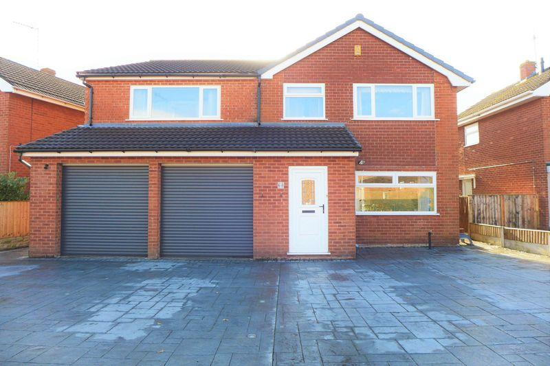 5 Bedrooms Detached House for sale in Ffordd Garmonydd, Wrexham