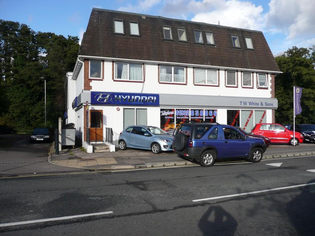 1 Bedroom Flat for sale in Addlestone Road