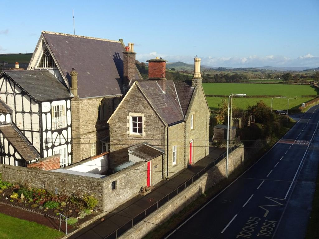 3 Bedrooms Semi Detached House for sale in Kerry, Newtown, Powys