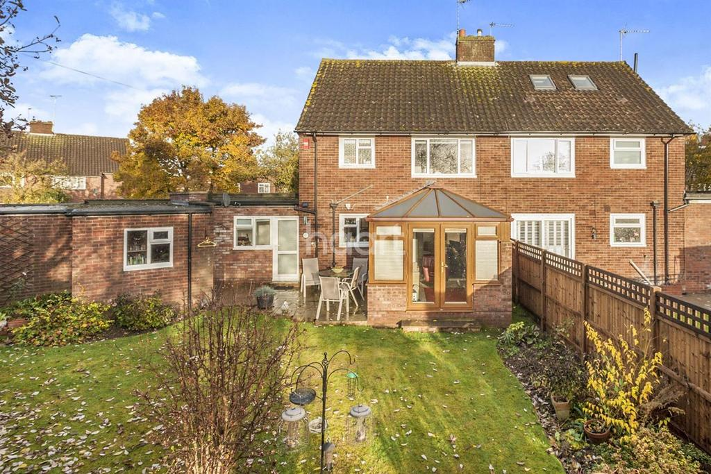 3 Bedrooms Semi Detached House for sale in West Side