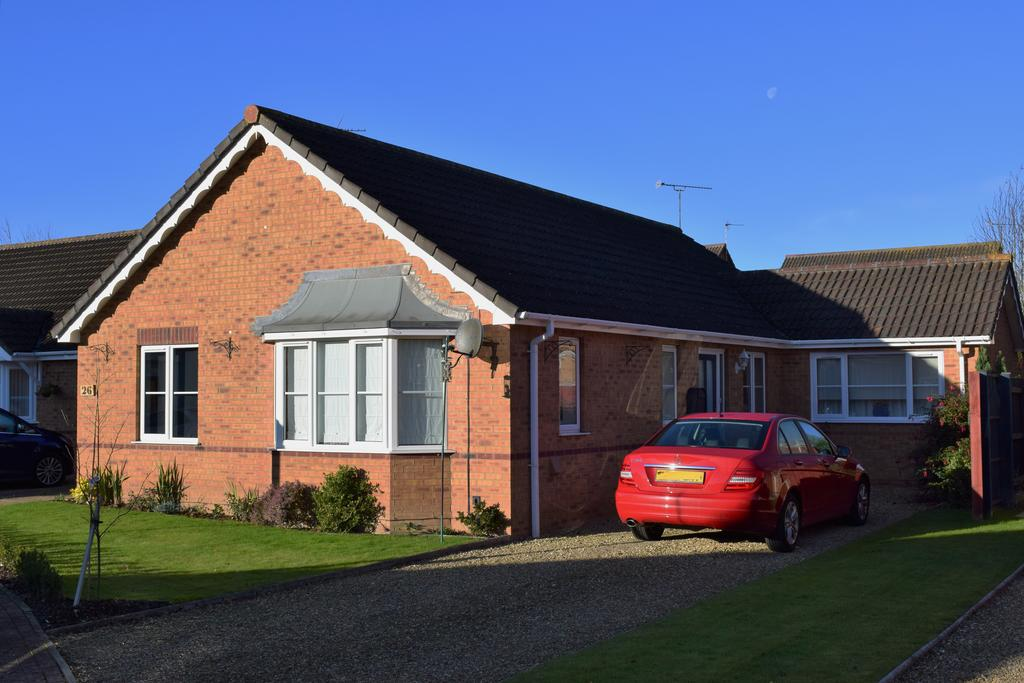 3 Bedrooms Detached Bungalow for sale in John Swains Way, Long Sutton, Spalding, Lincolnshire, PE12