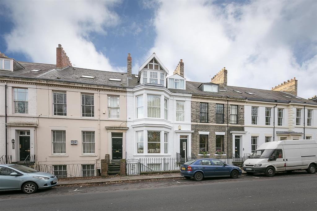 2 Bedrooms Flat for sale in North Terrace, Spital Tongues, Newcastle upon Tyne