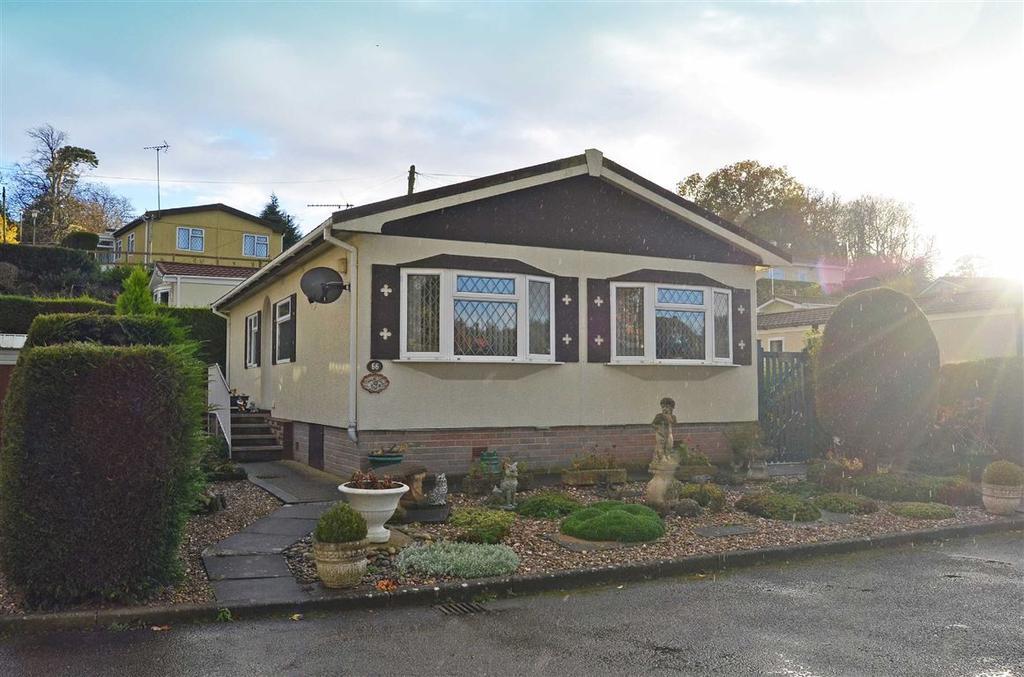 2 Bedrooms Park Home Mobile Home for sale in Upper Glen Avenue, Blisworth