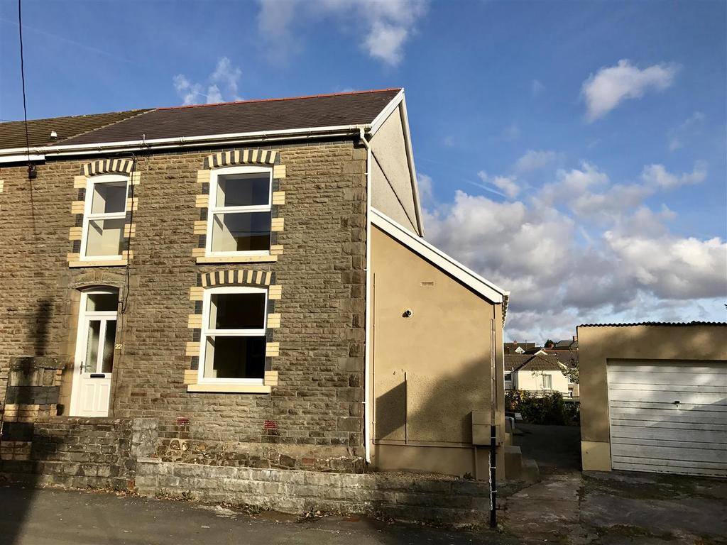 3 Bedrooms Semi Detached House for sale in Cefn Road, Gwaun Cae Gurwen, Ammanford