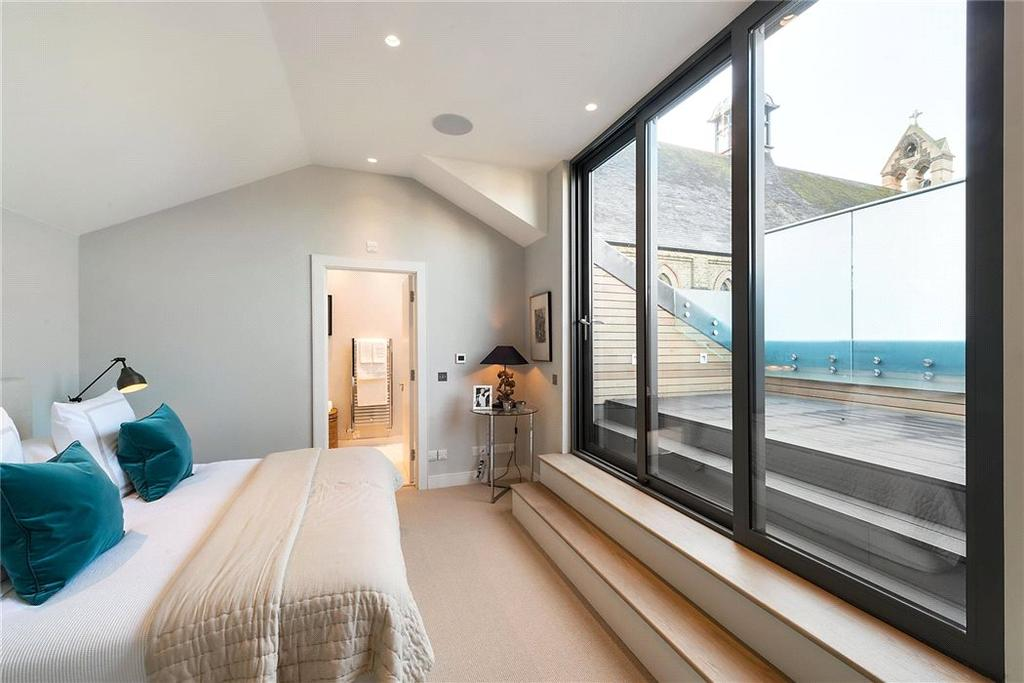 4 Bedrooms Residential Development Commercial for sale in Charles Baker Place, London, SW17