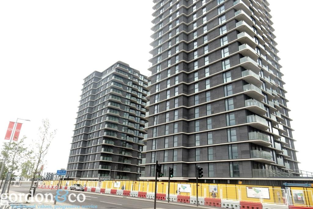 2 Bedrooms Penthouse Flat for sale in Glasshouse Gardens, Stratford, London, E20