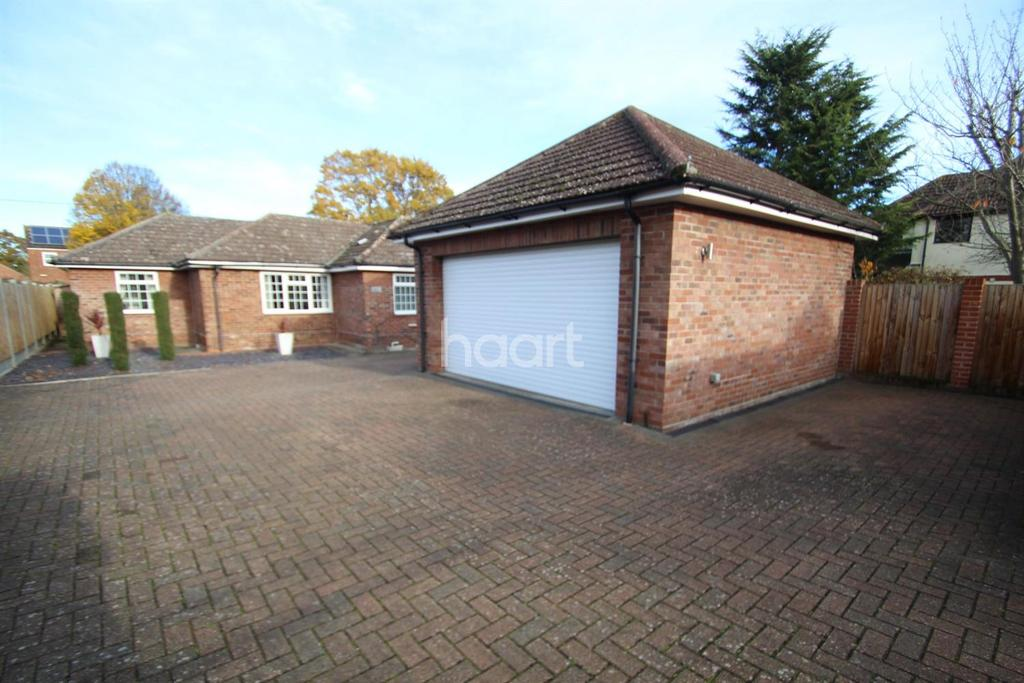 3 Bedrooms Bungalow for sale in Glenway close, Great Horkesley, Colchester, CO6