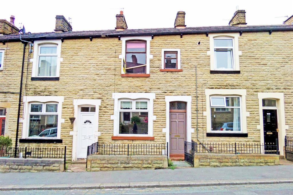 3 Bedrooms Terraced House for sale in Hollingreave Road, Burnley
