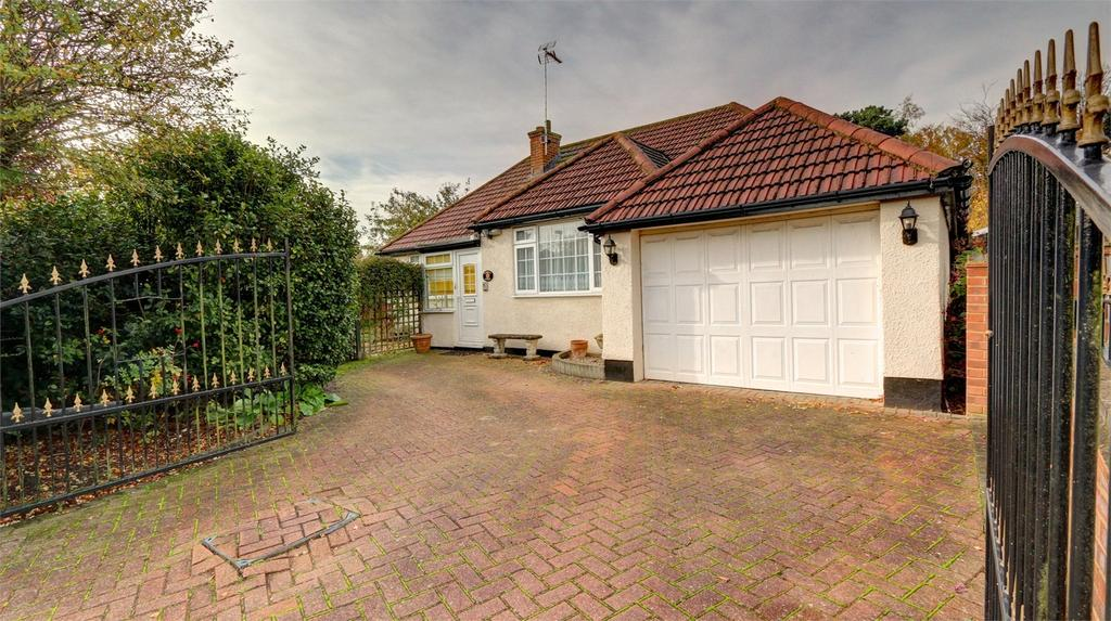 2 Bedrooms Detached Bungalow for sale in Highfield Road, Chislehurst, Kent