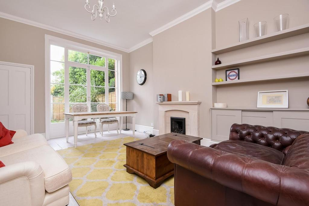 3 Bedrooms Flat for sale in Killieser Avenue, Streatham, SW2